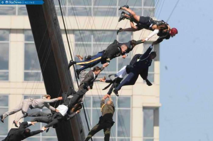 iron-man-3-action-stunt2.jpg (56 KB)