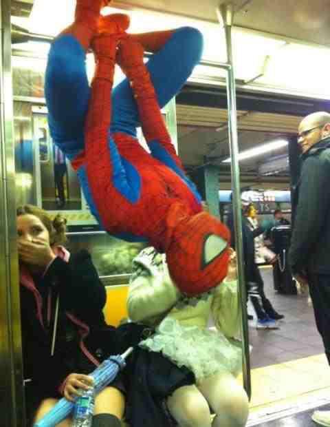subway-spideman.jpg (27 KB)