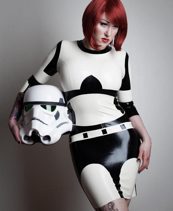 Stormtrooper-Latex-Dress.jpg (66 KB)