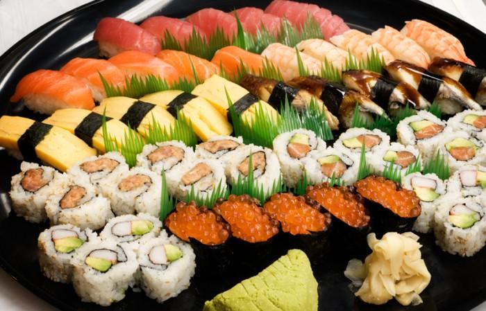 sushi-.jpg (445 KB)