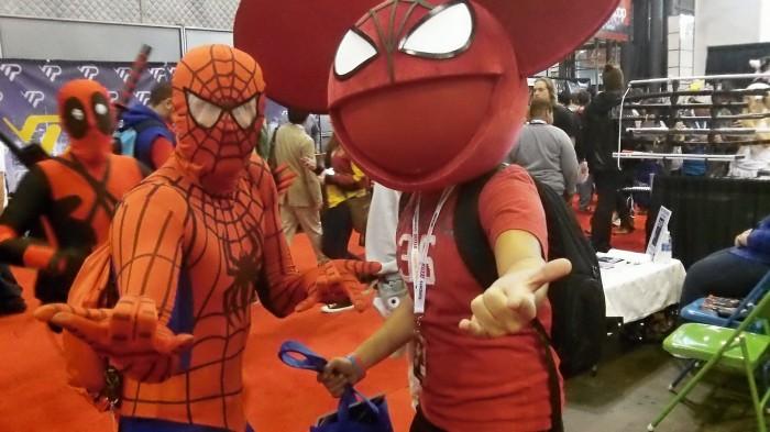 101 0612 700x393 Comic Con NYC 2012 spider man hot chicks coplay comic con