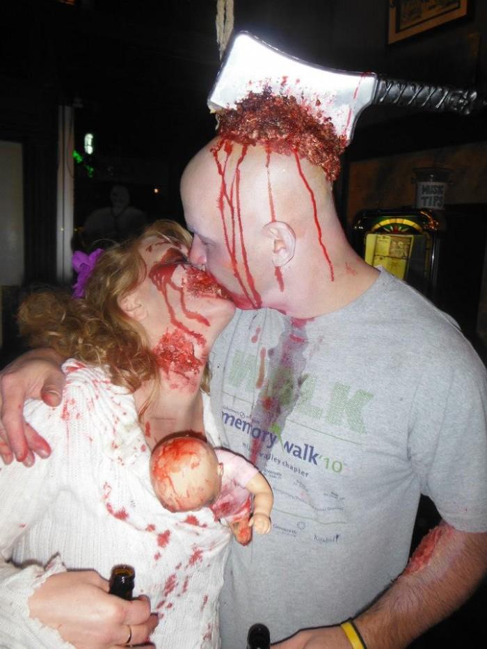 zombies_kiss.jpg (93 KB)