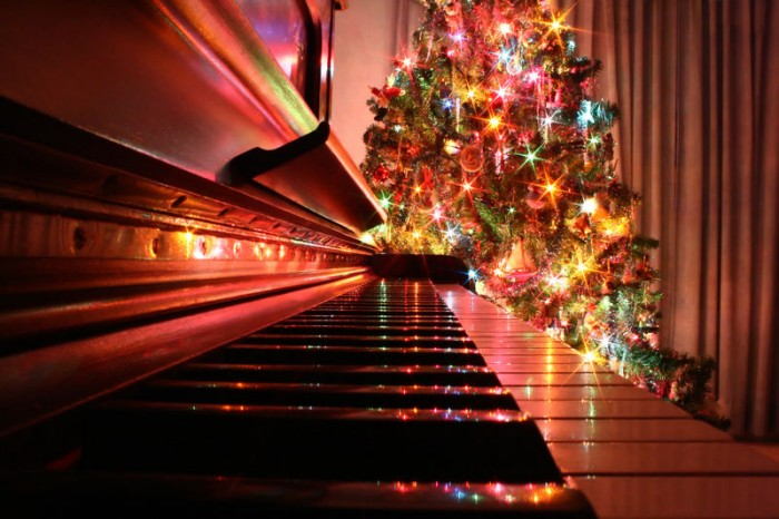 treeui4 700x466 Piano and Christmas Tree Photography Christmas awesome