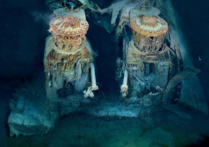 rms_titanic_engine_under-water-bottom-of-ocean.jpg (115 KB)