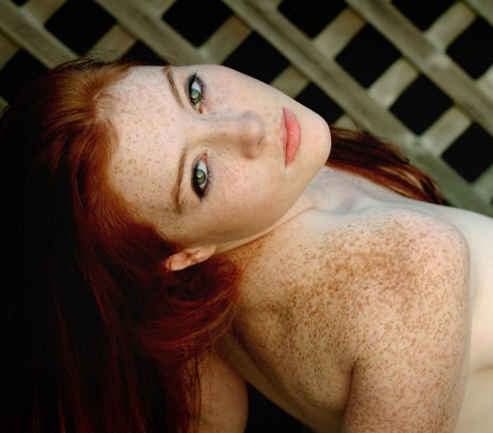 faye_valentine_regan_freckles_18.jpg (709 KB)