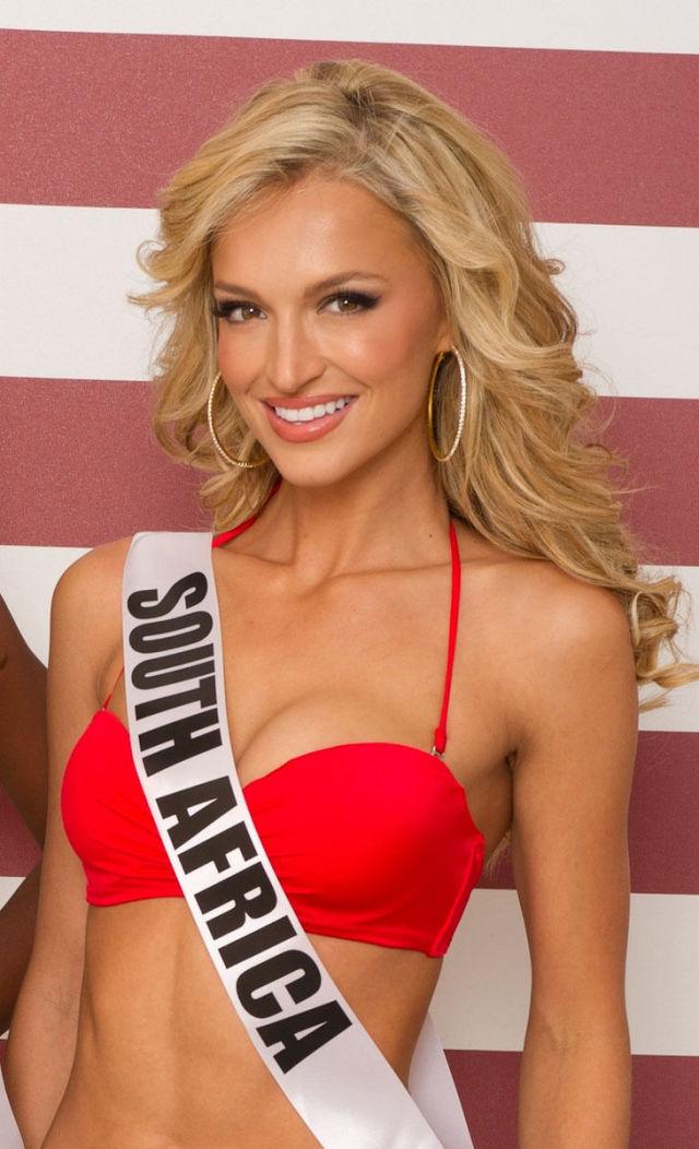 Miss-Universe-2012-Contestants-in-Bikini_03.jpg (102 KB)
