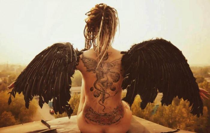angel-wings.jpg (66 KB)