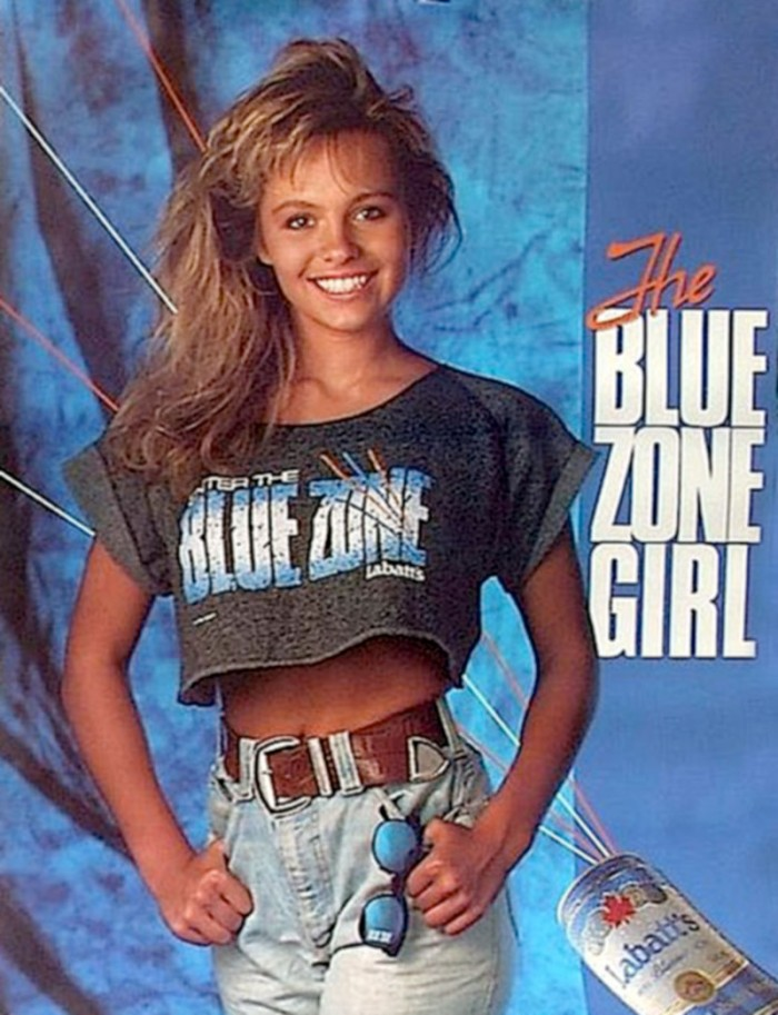 aa7de233_pamela_anderson_labatts_blue_zone_girl.jpg (160 KB)