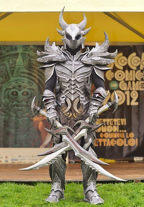 Deadric-armour.jpg (123 KB)
