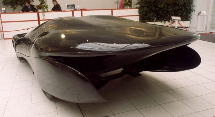 1989_Colani_Ford_black_03.jpg (65 KB)