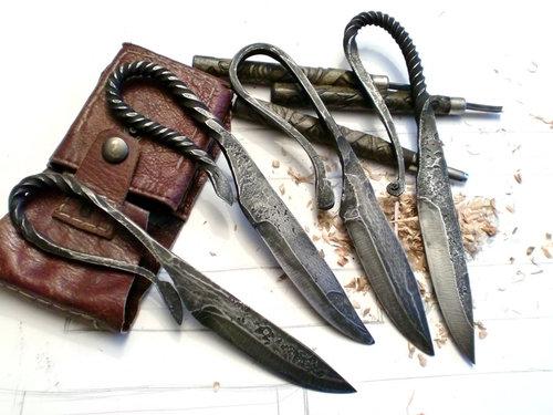 hammered-knives3.jpg (49 KB)