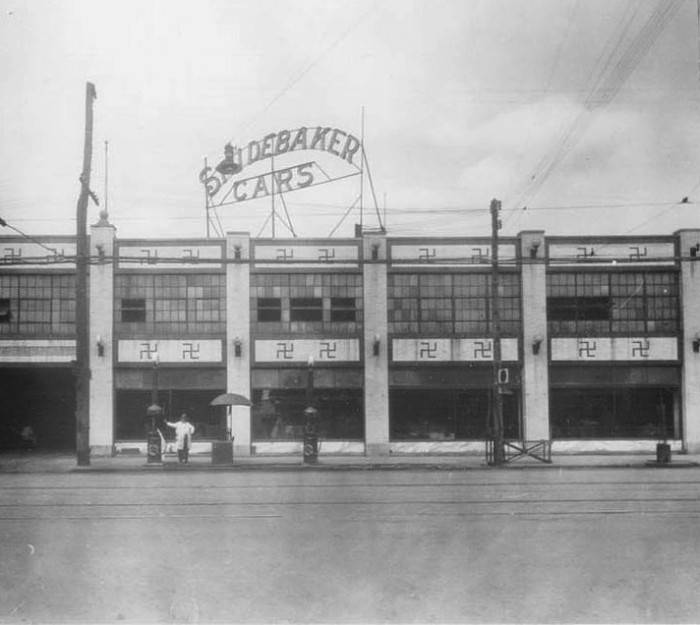 Swastika-Studebaker.jpg (146 KB)