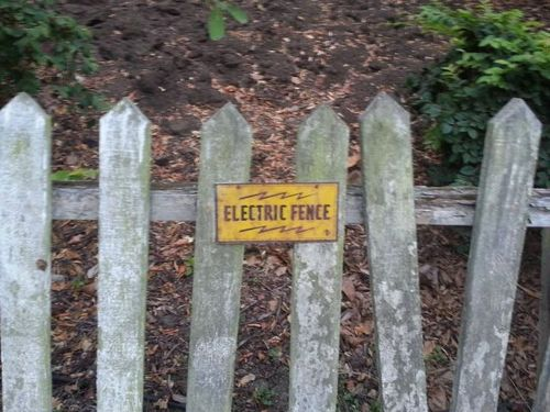 electric fence nice try Sign mislabeled Fence electric