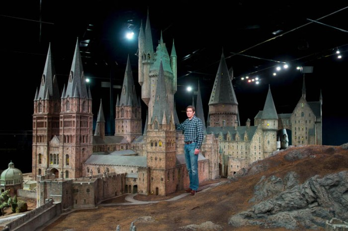 real-life-hogwarts-castle-scale-model-1.jpg (103 KB)