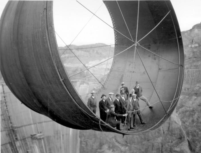 building-hoover-dam.jpg (264 KB)