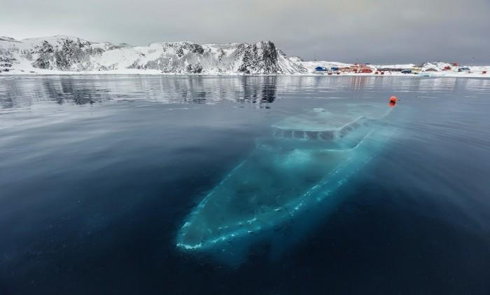 polar-wreck.jpg (124 KB)