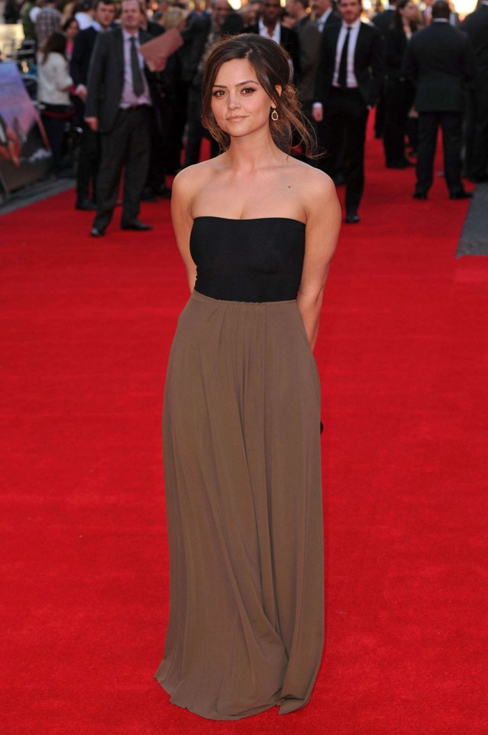 Jenna-Louise-Coleman-at-Titanic-3D-World-Premiere-01.jpg (168 KB)