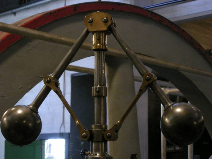 flyball-governor-from-steam-plant-museum.jpg (627 KB)