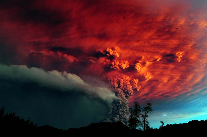 Chiles-Puyehue-Volcano-eruption-june-2011-31.jpg (63 KB)