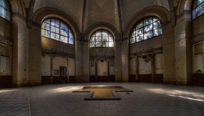 Beelitz-Heilstätten-sanatorium-urbex-berlin-germany-18.jpg (80 KB)