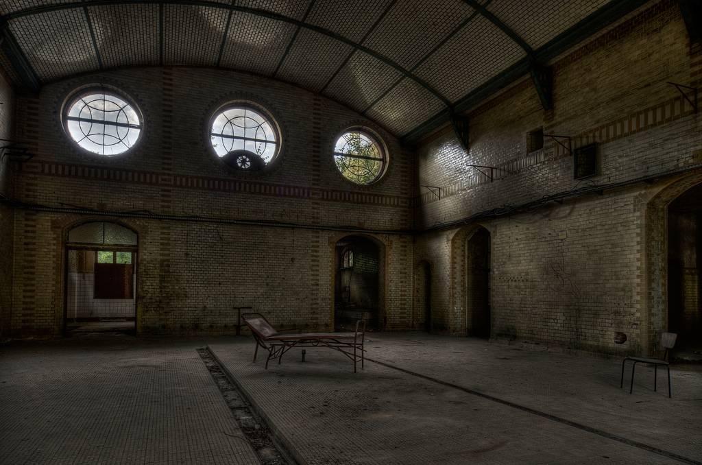 Beelitz-Heilstätten-sanatorium-urbex-berlin-germany-7.jpg