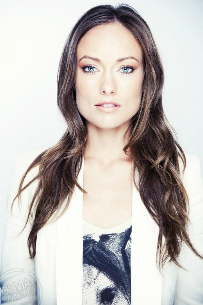 brunettes-women-olivia-wilde-faces-white-background-desktop-800x1200-hd-wallpaper-1220681.jpg (205 KB)