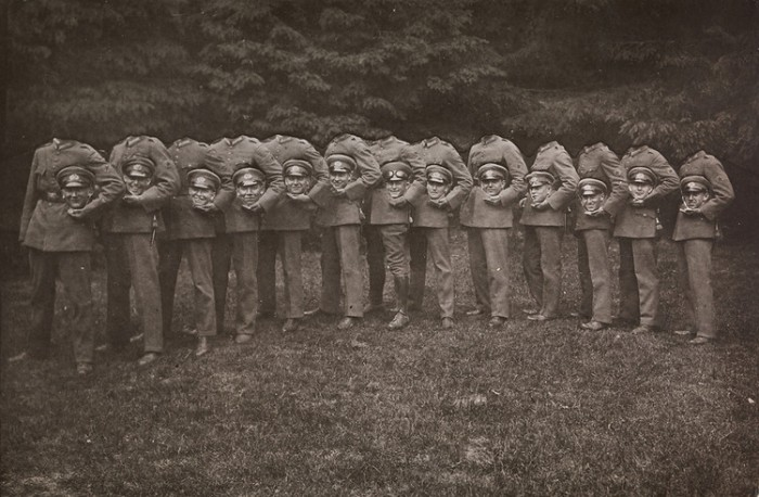 1910-decapitated-soldiers.jpg (127 KB)