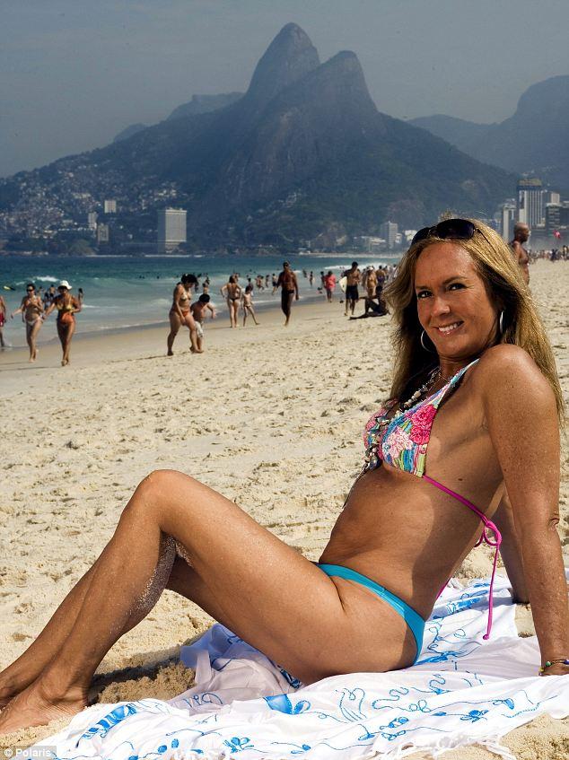 Heloisa-Pinhero-The-Girl-From-Ipanema.03.jpg (103 KB)