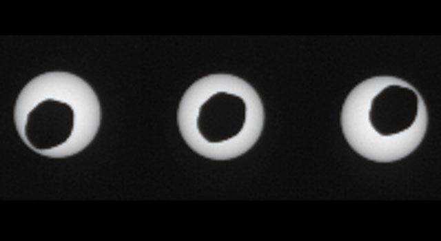 phobos-eclipse-sun-from-mars.jpg (12 KB)
