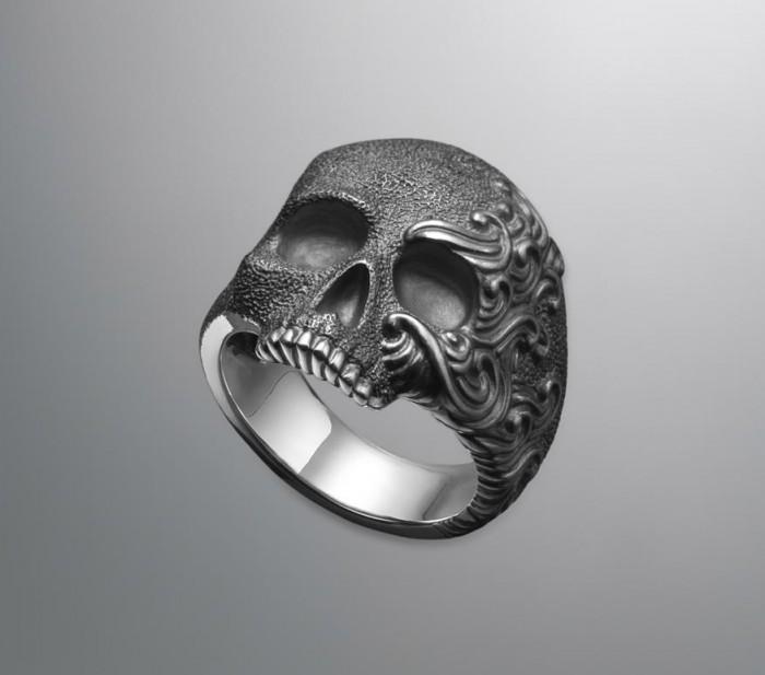 skull-ring-1.jpg (42 KB)