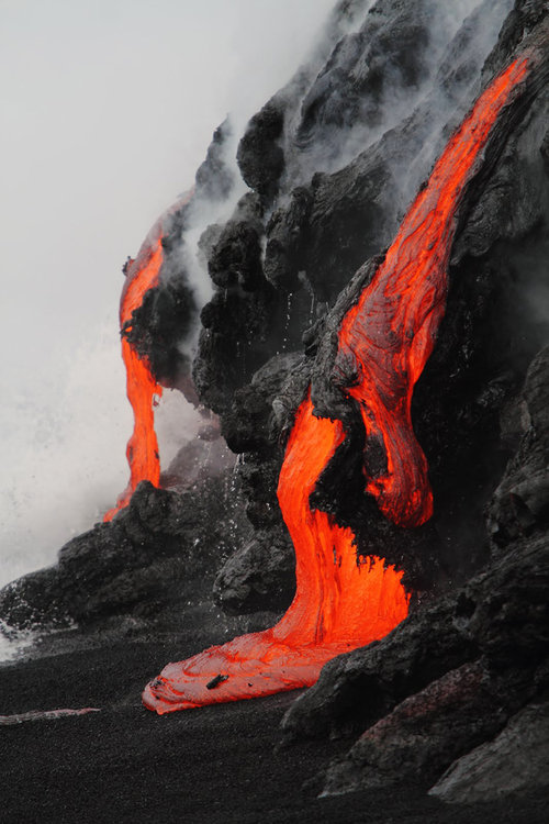 lava2.jpg (86 KB)