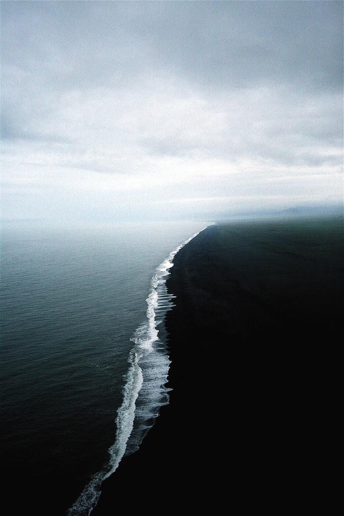dark_shores.jpg (411 KB)