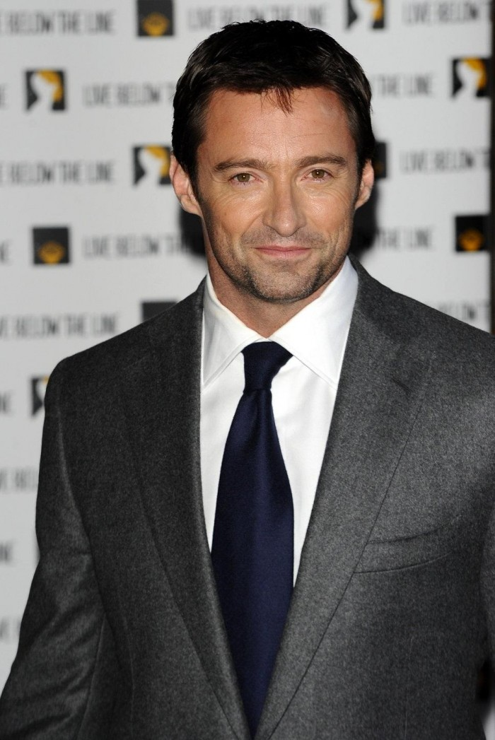 hugh-jackman-grey-suit-white-1633682110.jpg (171 KB)