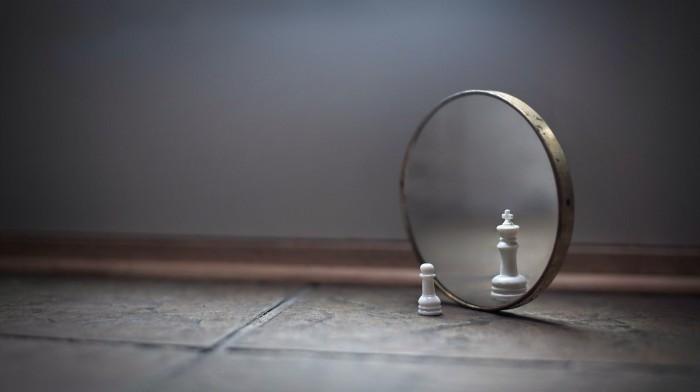 mirror.jpg (132 KB)
