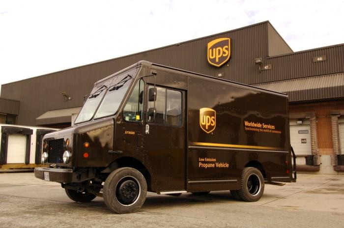 FedEx-Truck.jpg (382 KB)
