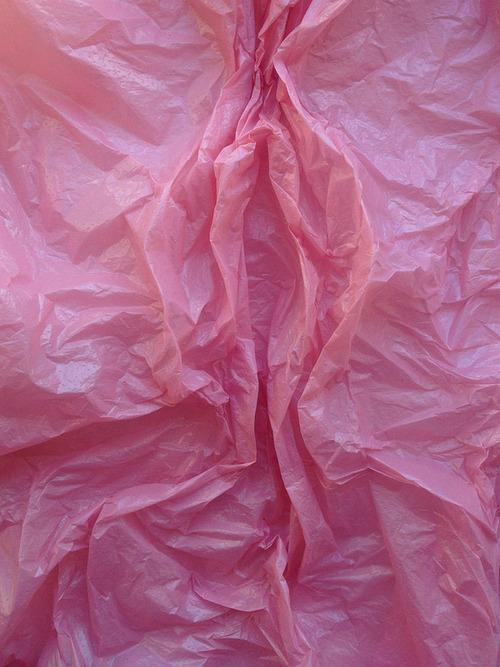 pink_crinkled_paper.jpg (118 KB)