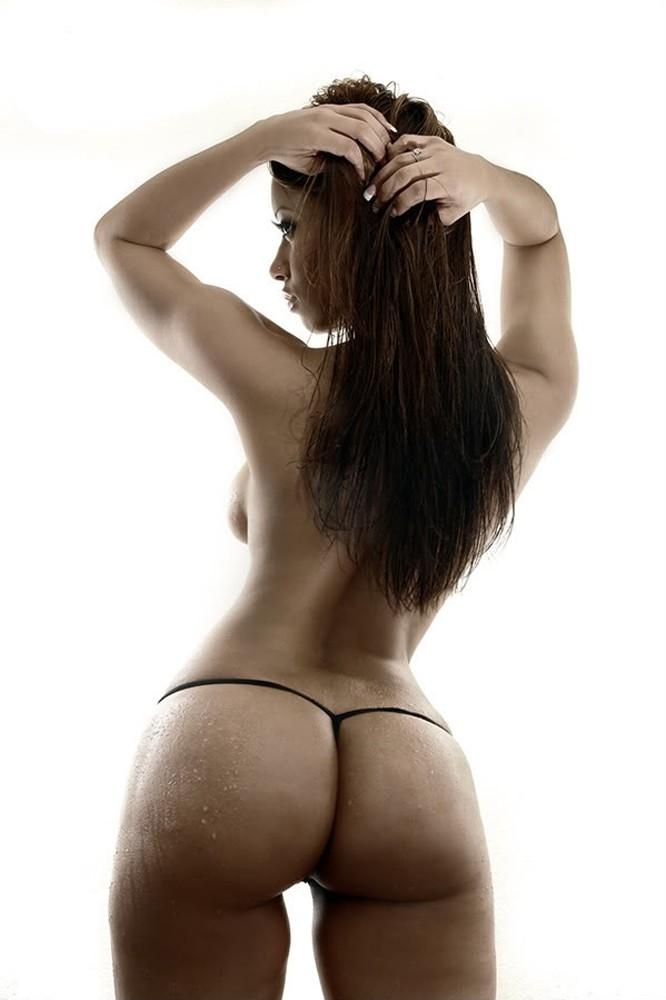 brunettes-women-panties-ass-desktop-666x1000-hd-wallpaper-1029542.jpg (71 KB)