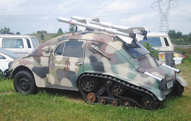 track daily wtf 008 08112013 Track wtf VW Volkswagon track tank off road interesting awesome 4x4