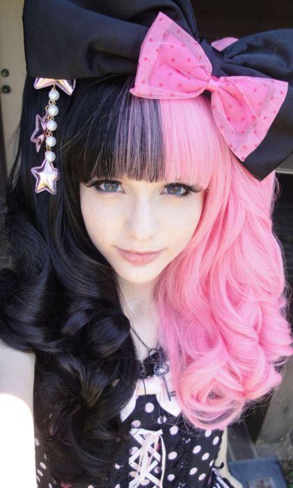 c7392eb9ba71e733eb35e7a1522bf878 Pink hair pink hair goth cute