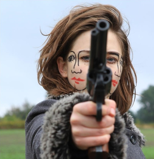 tumblr mtseryqG701rpowflo1 500 two faced women Visual Tricks guns