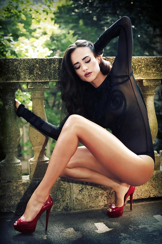 tumblr tumblr me0gaq7xkq1ru7gqvo1 1280 red heels  women Sexy not exactly safe for work