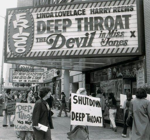 deep-throat-protest-01.jpg (70 KB)