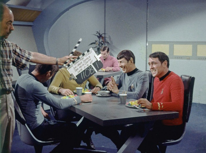 xuijczd 700x520 Star Trek behind the scenes Tv star trek classic behind the scenes