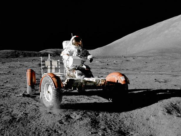 moon_cars_001_10082013.jpg (172 KB)
