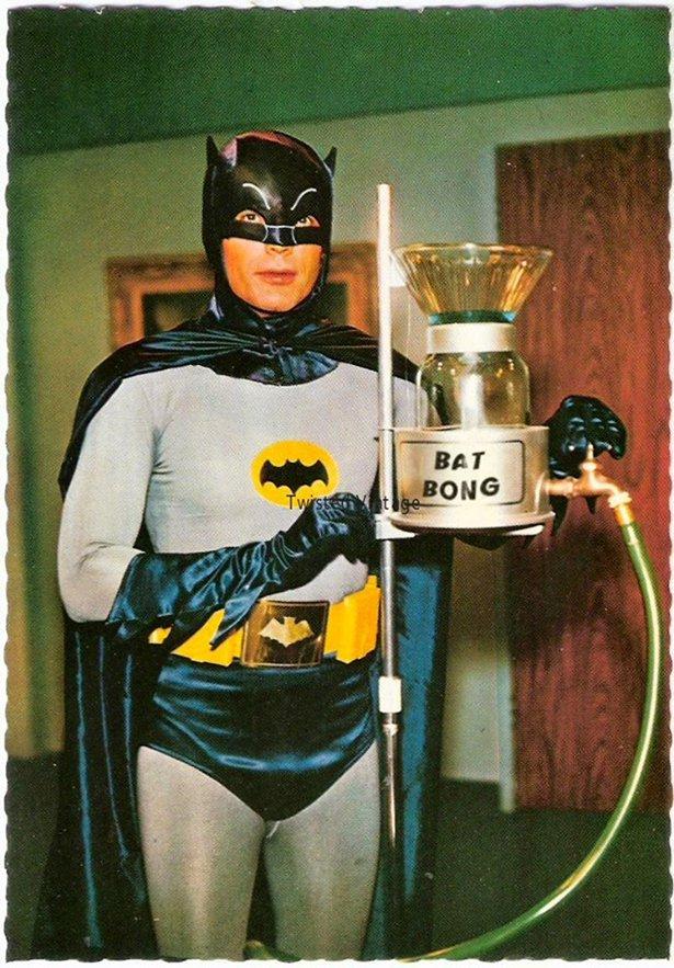Bat-Bong.jpg (133 KB)
