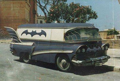 Bat-Van.jpg (27 KB)