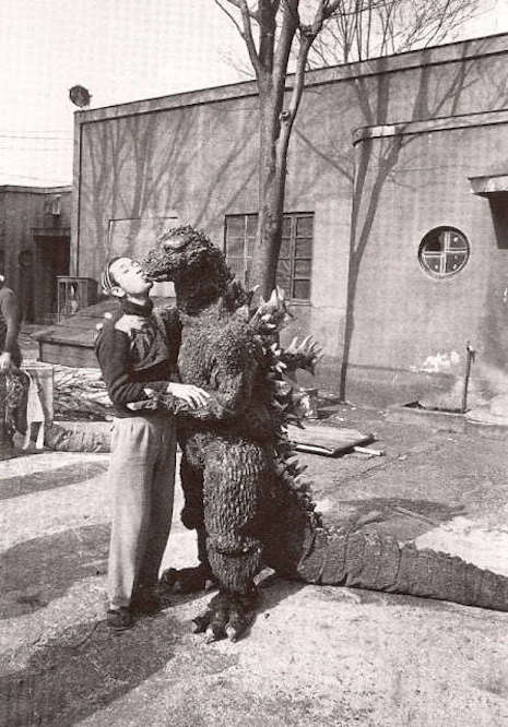 haruonakajimagivinggodzillaakisspq0923iuflajsdlkjfasd GODZILLA wtf vintage Photography Movies interesting Godzilla .awesome