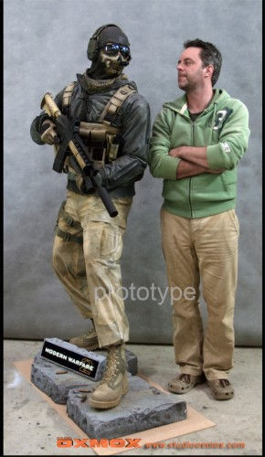 Modern-Warfare-2-Statue.jpg (428 KB)
