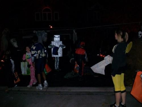 Robot1 500x375 Keros Halloween costume MCS Halloween Halloween