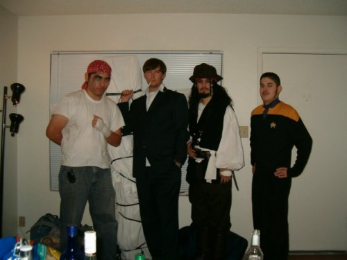 2006 - Capt. Jack Sparrow Group Shot.jpg (36 KB)